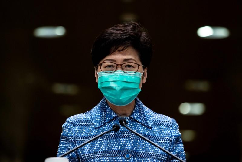 香港特首林鄭月娥今日宣布,將4月23日到期的限制措施延長14日。(路透)