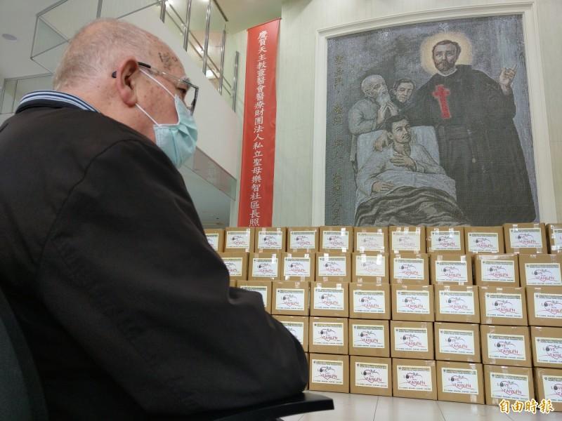 台灣人報恩行動,為義大利神父呂若瑟募得大批醫療物資,首批國內愛心今天將啟運至義大利。(記者張議晨攝)