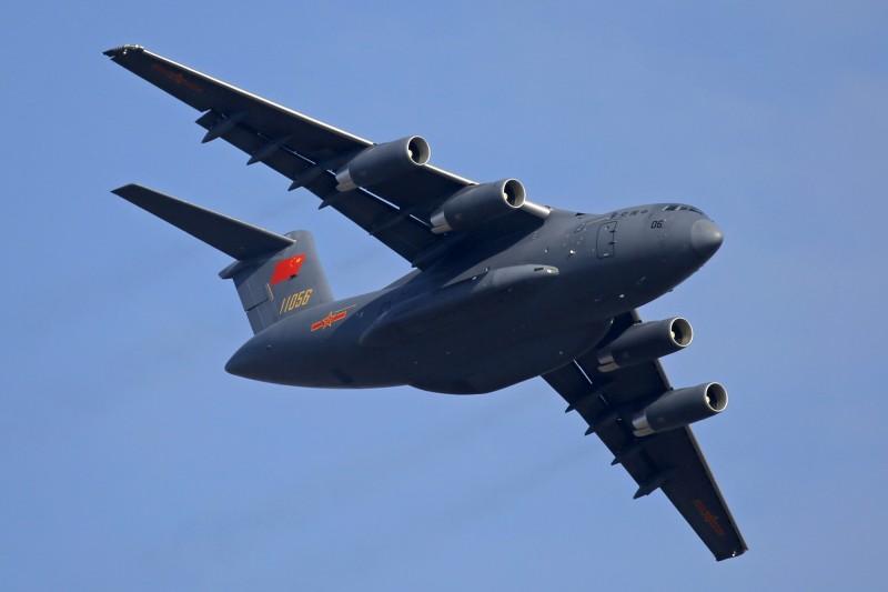 中國派遣軍機向緬甸、寮國、巴基斯坦發送防疫物資,而且這是運-20重型軍用運輸機首次飛出中國。運-20示意圖。(美聯社)