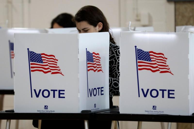 目前仍未知武漢肺炎疫情會持續到何時,拜登表示,直接投票恐有感染風險,應找出安全且公正的投票方式。(法新社資料照)