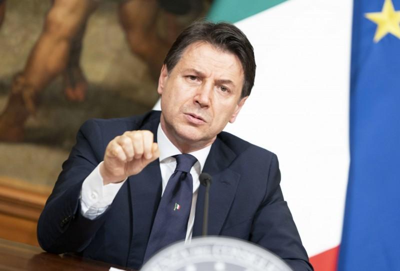 義大利總理孔蒂表示,自5月4日起開始逐步復工,並允許有限度的家族活動。(歐新社)