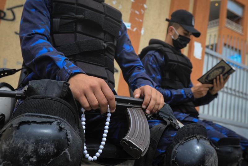 聯合國提出警告,稱多個進入緊急狀態的國家,不斷傳出執法人士拘留、傷、殺人等濫權事件。圖為警察示意圖,與本文無關。(法新社)
