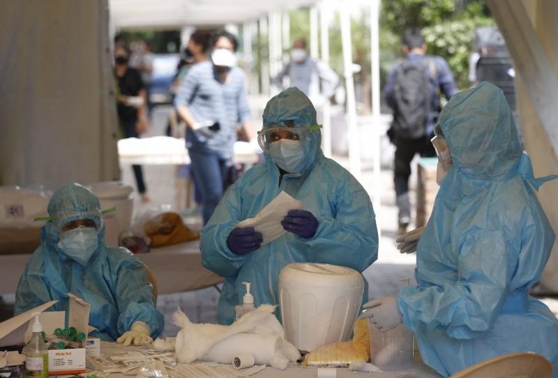印度境內武漢肺炎確診人數今(28)日已將近3萬,在亞洲國家中僅次於中國的通報數字。(美聯社)