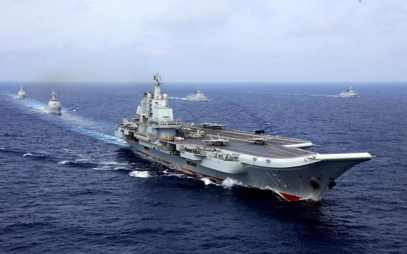 中國航空母艦「遼寧號」艦隊今日上午通過沖繩本島與宮古島之間海域,返回東海,結束在西太平洋航訓。中國海軍近期在西太平洋動作頻頻,針對美軍意味濃厚。圖為資料照,非本次事件照片。(路透)