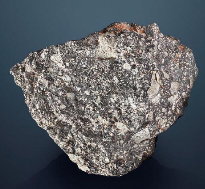 佳士得表示,任何人只要付得起250萬美金(約新台幣7500萬)均可立即把這罕見的月球碎片帶回家。(擷取自佳士得官網)