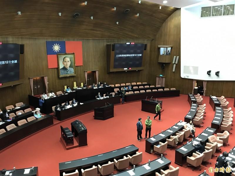 立法院朝野黨團力拚本月8日完成紓困特別預算追加案三讀。(資料照)