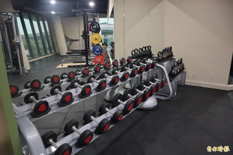 體育處長洪玉玲表示,運動場館開放後將採實名制登記、入場人數減半管控。(記者周湘芸攝)