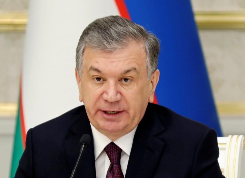 烏茲別克總統米爾濟約耶夫1日前往大壩現場,表示會採取所有必要的程序解決這一切。(路透)