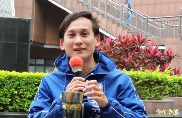 葉元之3日深夜在直播中痛批罷韓團體,卻扯到「失戀的女人」,被網友罵爆。(資料照)
