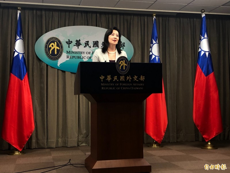 外交部發言人歐江安出席例會,宣布我國啟動第三波口罩援助世界行動。(記者呂伊萱攝)