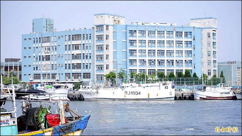 5月1日起,遠洋漁船和國際商船只要有海上接觸史,不管從哪個港口進到台灣領域,船員只要入境,都必須先居家檢疫14天。(記者陳彥廷攝)