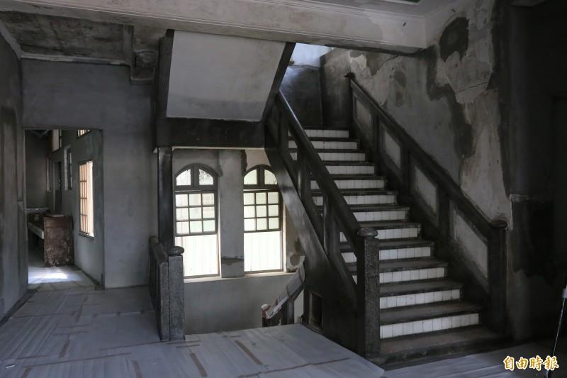 「大和旅社」保有完整的格局,加入現代化設備又不失老建築特有的美感與氛圍,2、3樓住宿空間預計年底前開幕。(記者邱芷柔攝)
