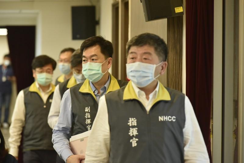 中央流行疫情指揮中心指揮官陳時中強調,病毒攻擊不分怎樣的人,武漢肺炎是人跟病毒之間的對抗,希望不要變成人與人之間的對抗。(指揮中心提供)