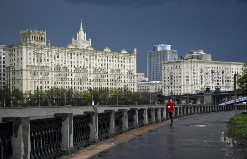 武漢肺炎(新型冠狀病毒疾病,COVID-19)疫情蔓延,俄羅斯今(6)日再增10559例確診,全國累計16萬5929例。圖為莫斯科。(法新社)