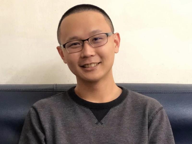目前仍在花蓮榮民之家服替代役的新科醫師陳柏威分享在火車上熱血救援的首次經驗。(陳柏威提供)