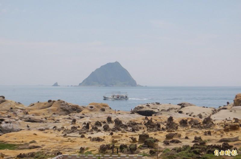 男子誤認基隆嶼離和平島很近,竟游了3小時登島,導致體力不支。(資料照)