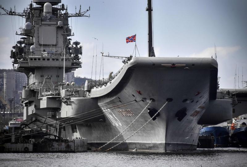 俄國海軍唯一的一艘航艦庫茲涅佐夫號」(Admiral Kuznetsov)於2017年進廠大修,期間歷經兩起意外後,終於有望在2022年秋季重返海洋。(法新社)