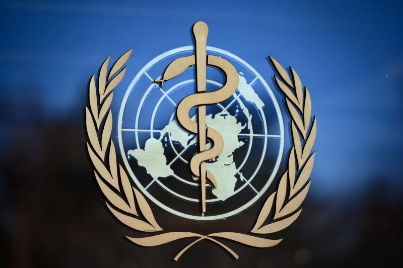 聯合國停火協議突顯了世界衛生組織(WHO)的地位,美國最後拒絕為該草案背書,讓中國外交官相當震驚。圖為WHO日內瓦總部的標誌。(法新社)