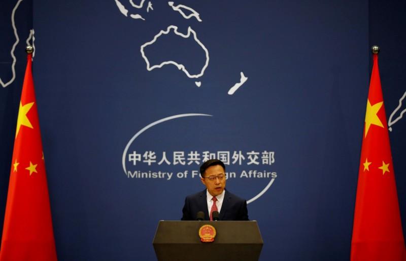 中國外交部昨日發布長達30頁的萬字聲明,列出美方的「24個謊言」,然而其中多數引用世衛(WHO)資料,甚至引用官媒《環球電視》報導欲栽贓美國。圖為中國外交部發言人趙立堅。(路透)