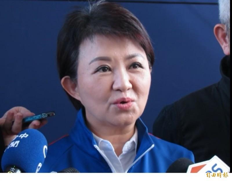針對各活動場所開放,台中市長盧秀燕表示,以先室外再室內為原則。(記者蘇孟娟攝)