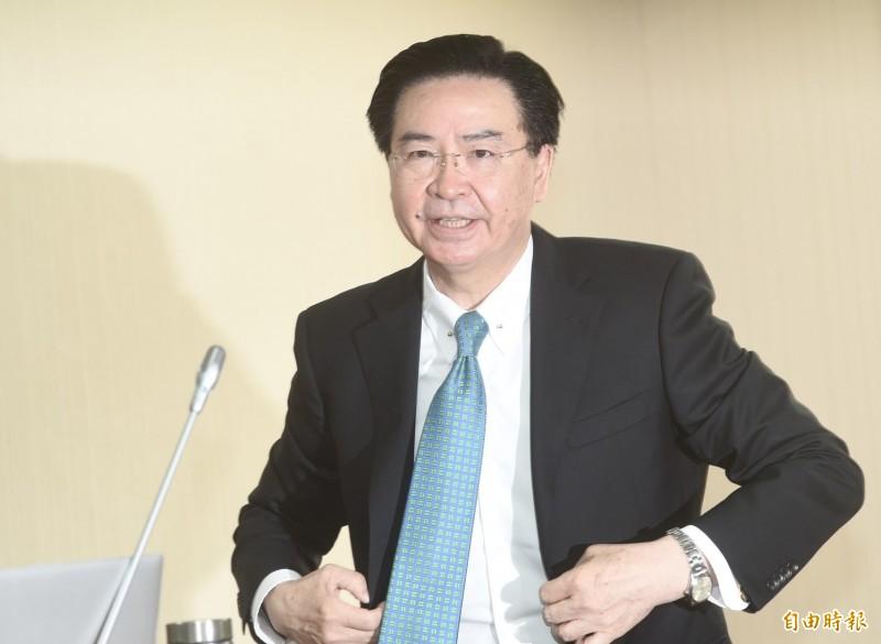 外交部部長吳釗燮11日赴立法院報告並備詢,會前接受媒體訪問。(記者簡榮豐攝)