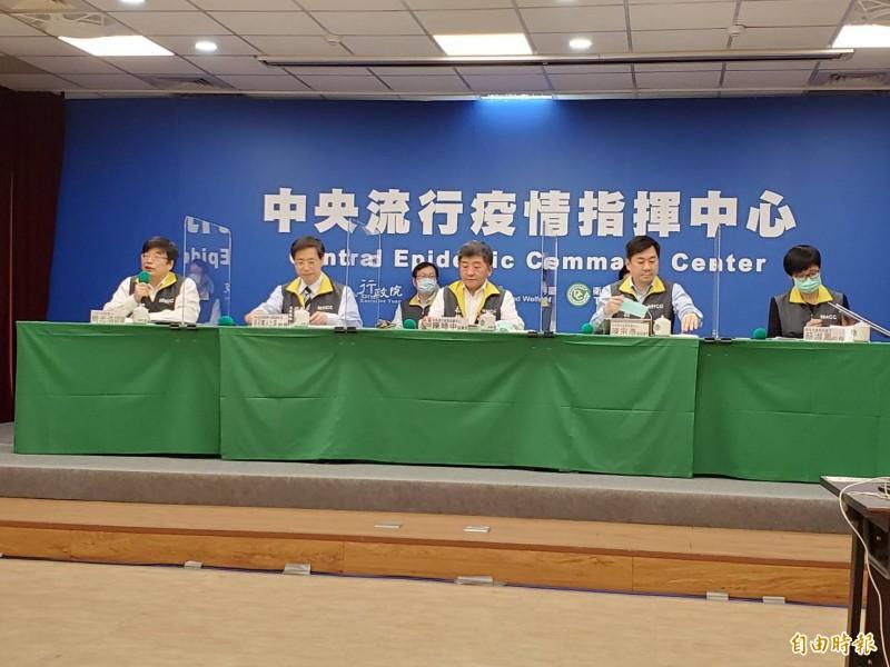 指揮官陳時中表示,已經連續30天無本土病例,基本上,到了28天後,是有一個安全的社區,但個人防護不可少。(記者林惠琴攝)