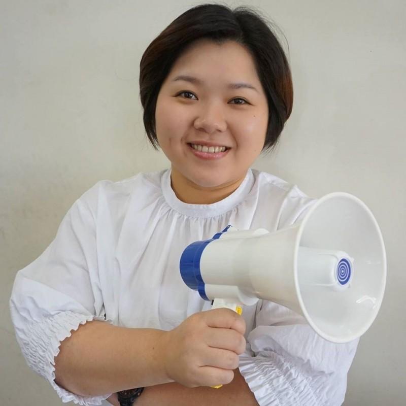顏清標女兒、現任台中市議會副議長的顏莉敏,體態豐腴,長相甜美可愛。(圖擷取自臉書)