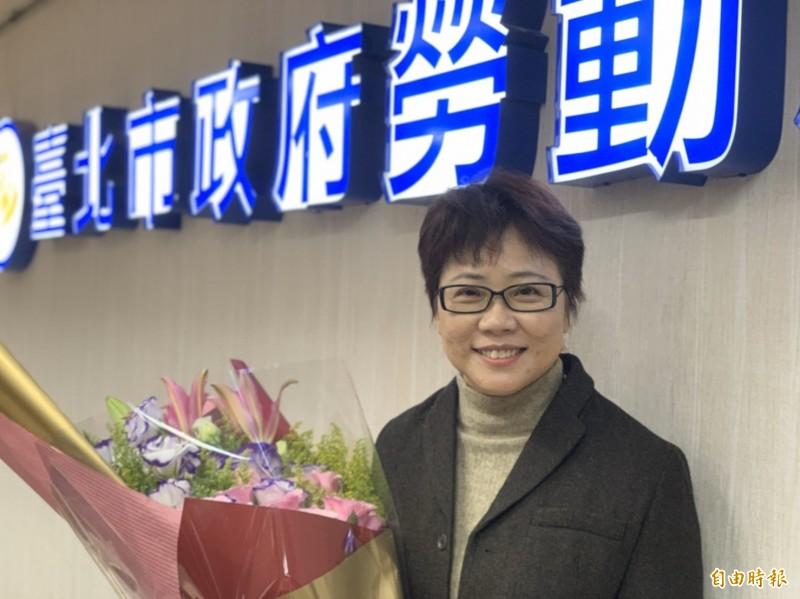 台北市勞動局就業安全科長施貞夙表示,時報旅遊4月底提出大量解僱計畫書,台北公司35人就資遣33人,預計6月底資遣。圖為台北市勞動局長陳信瑜。(資料照)