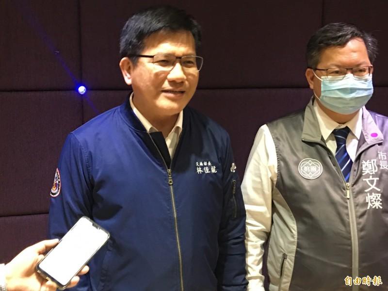 交通部長林佳龍說明防疫旅遊、安心旅遊等方案。(記者謝武雄攝)