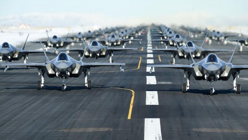 因為英國允許華為參與5G建設,美國可能撤離派往英國的F-35戰鬥機群。(路透)
