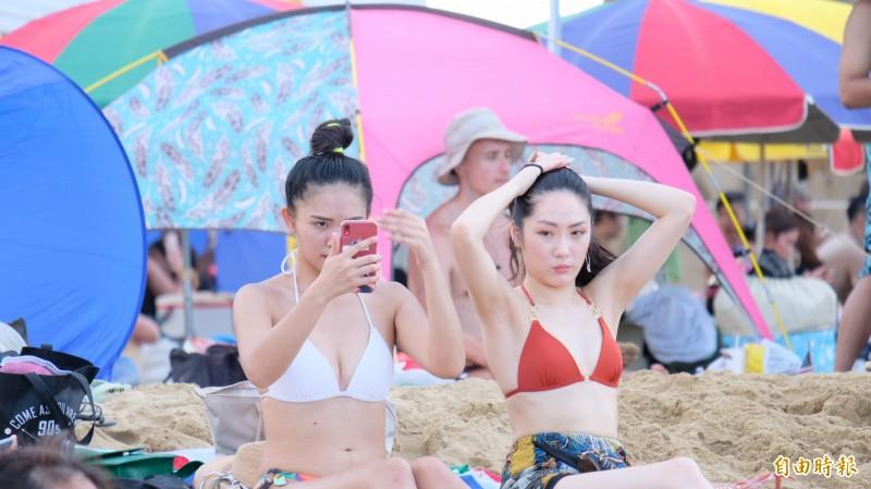 氣象局對高雄、台南、屏東、南投發布24小時高溫警戒,氣溫將飆破36度。(資料照)