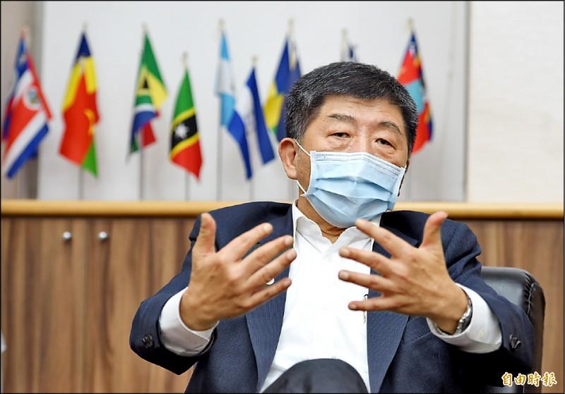 中央流行疫情指揮中心指揮官陳時中接受本報專訪強調,台灣邊境會優先放寬重要經貿活動。(記者劉信德攝)