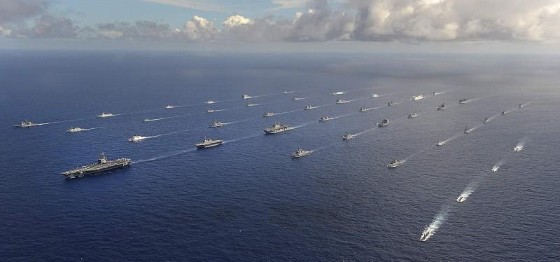 美國預計8月17日至31日,將舉辦全球最大軍事演習——環太平洋軍事演習。圖為2014年環太平洋軍演。(路透檔案照)