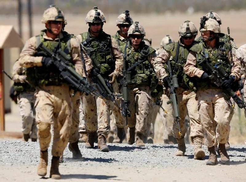 過去環太平洋軍演包括陸地作戰演習,今年因疫情僅在海上活動。圖為2016年環太平洋軍演。(路透檔案照)