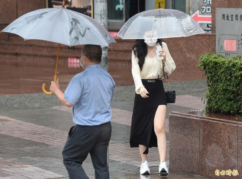 氣象局表示,滯留鋒面影響,易有短時強降雨。(資料照)