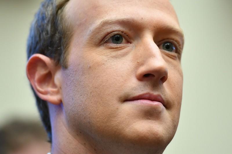 臉書CEO祖克伯形容,中國監控網路的模式「非常危險」。(法新社)