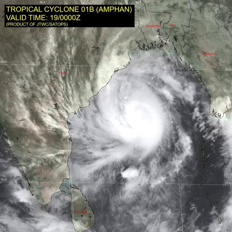 「安攀」威力強大,廣大的環流幾乎佔據了整個孟加拉灣,預計明登陸恆河三角洲,對當地構成極大威脅。(圖擷自JTWC)