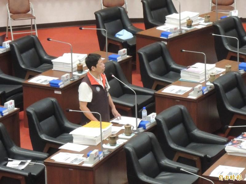 國民黨高市議員黃紹庭認為,青年局放在財經部門很合適。(記者王榮祥攝)