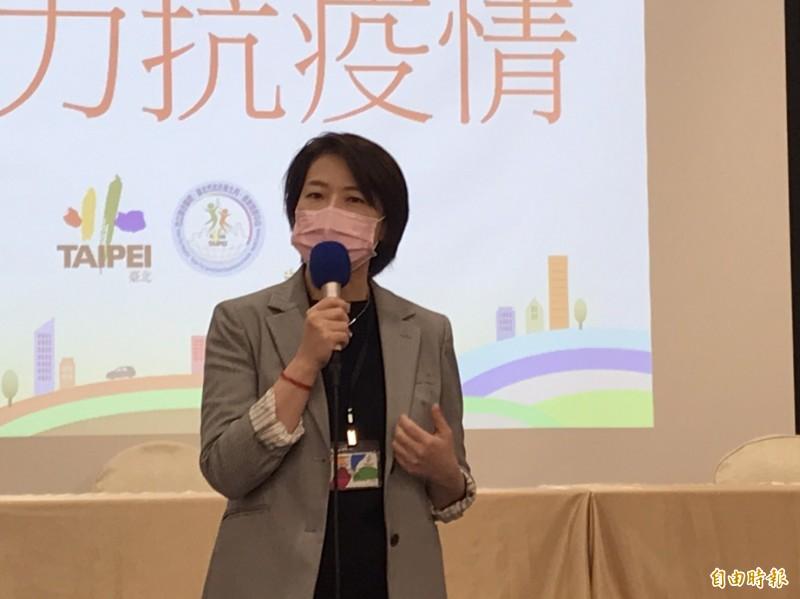 台北市副市長黃珊珊上午出面回應疫情相關提問。(記者沈佩瑤攝)