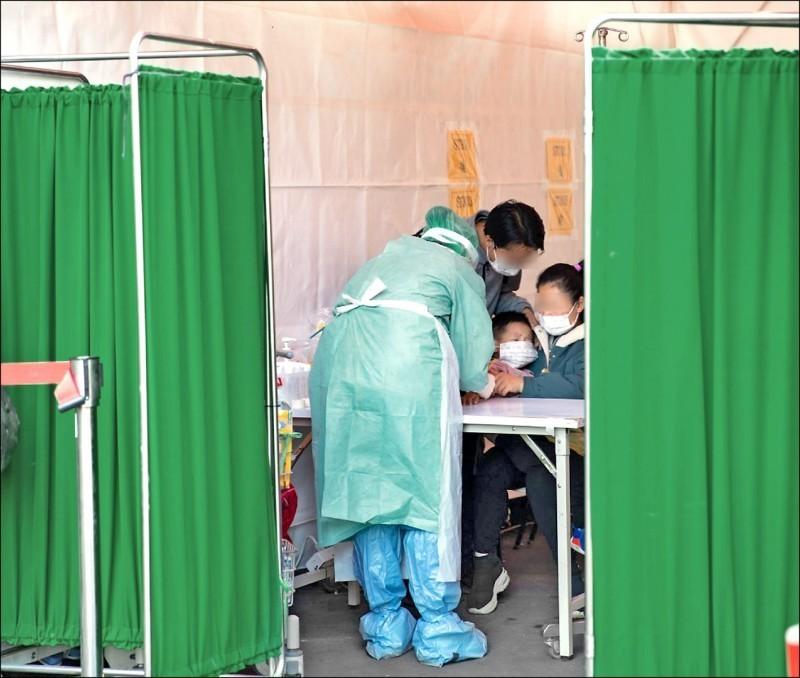 台灣武漢肺炎檢測數量過少?陳時中拿數據證實台灣檢驗充足,排名全球第2(資料照,高雄長庚提供)