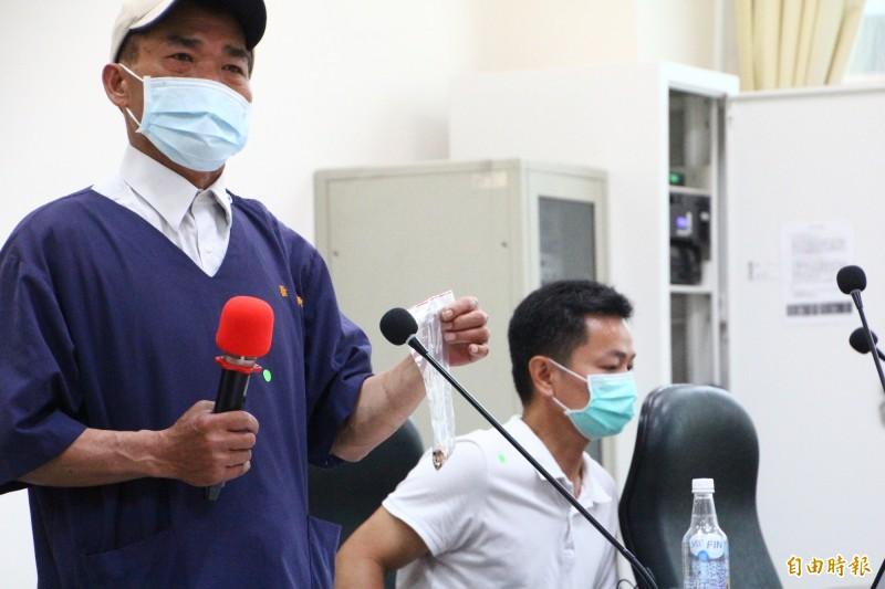 嘉義市獸醫師陳政興出面揭露嘉義市動保園區弊端。(記者林宜樟攝)