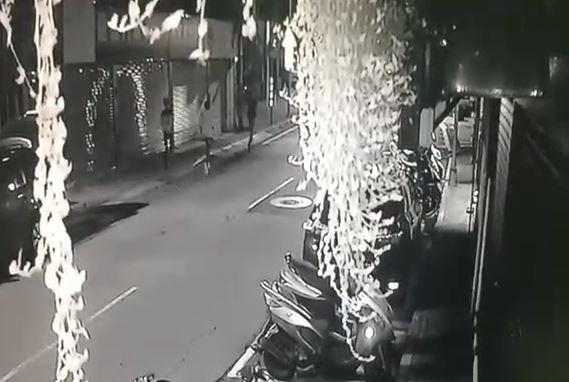 陳男等一夥人為了10000元,痛毆朱男。(記者鄭景議翻攝)
