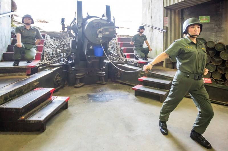 金門獅山砲陣地的砲操展演預定六月一日重新開放。(圖由金門縣政府提供)