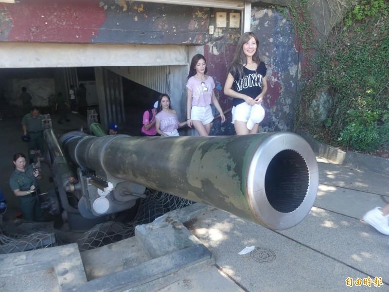 金門獅山砲陣地的八吋巨砲,是觀光客必遊之地。(資料照片 記者吳正庭攝)