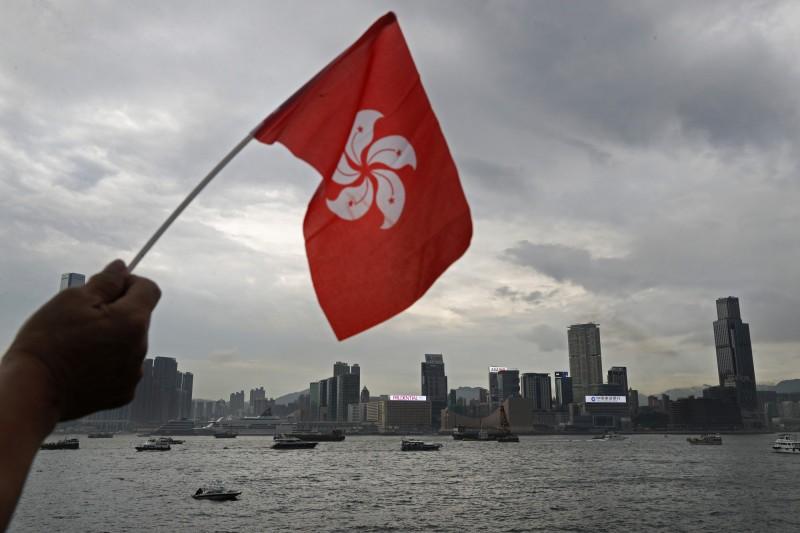 中國全國人大即將推出「港版國安法」,有分析憂慮,這將會導致香港出現混亂局面及動盪不安,北京方面需要為此負責。(美聯社)