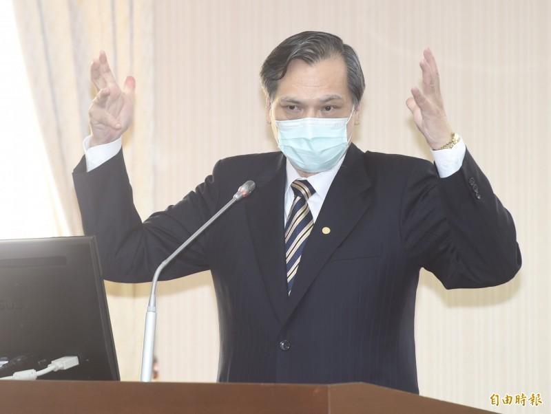 龐皮歐20日現身國務院大樓再次恭賀蔡總統,並讚許台灣民主化過程為世界典範。對於中國是否會有強烈的反應,陸委會主委陳明通表示,「這應該可想而知」。(記者簡榮豐攝)