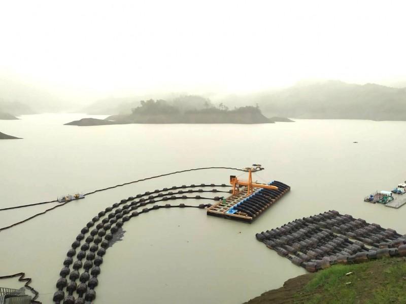 豪雨造成南化水庫的原水濁度升高。(記者吳俊鋒翻攝)