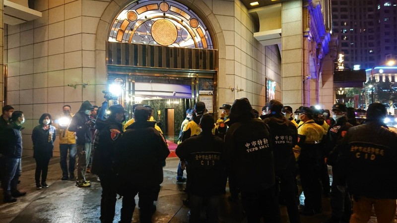 中市府今宣布酒店、舞廳等行業有條件解封,最快6月1日復業,但有業者對此不領情。(中市府提供)