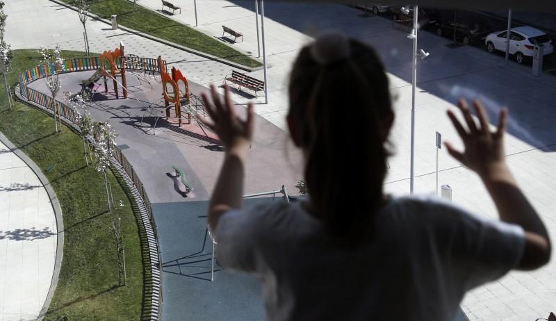 武漢肺炎》封鎖不只大人心情差!調查:西班牙1/6孩童情緒低落