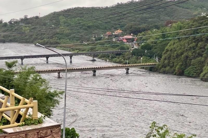 屏東山區累積雨量驚人,過去48小時降雨量超過600毫米的包括春日、來義、泰武、三地門、瑪家等地區。(瑪家鄉長梁明輝提供)